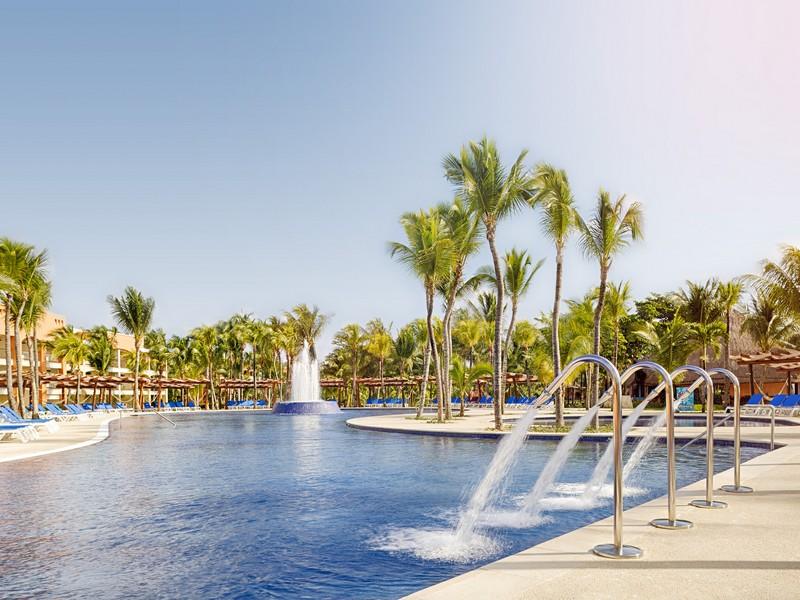 77-swimming-pool-8-hotel-barcelo-maya-beach23-125569